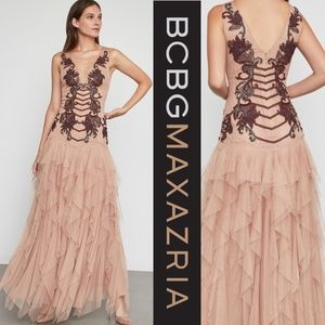 🎁🎄NWT BCBGMaxazria Floral Embroidered Tulle Gown